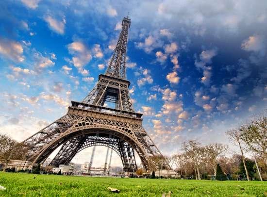 Картина по номерам 40x50 Вид на величественную Эйфелеву башню